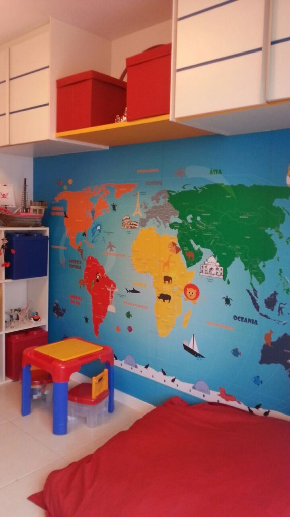 mapa mundi aplicado quarto infantil