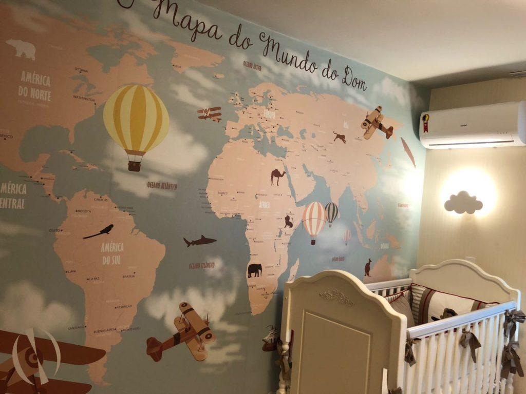 papel de parede mapa mundi infatil 18-D1 aplicado no quarto da criança.