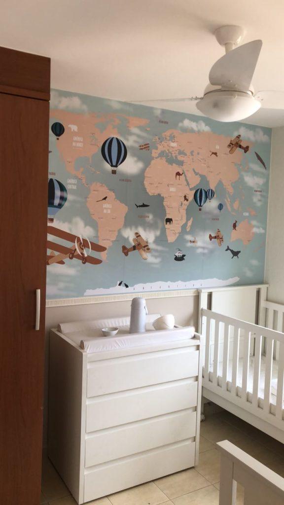 Papel de parede mapa mundi em quarto infantil, modelo 18-D personalizado na cor que o cliente solicitou.