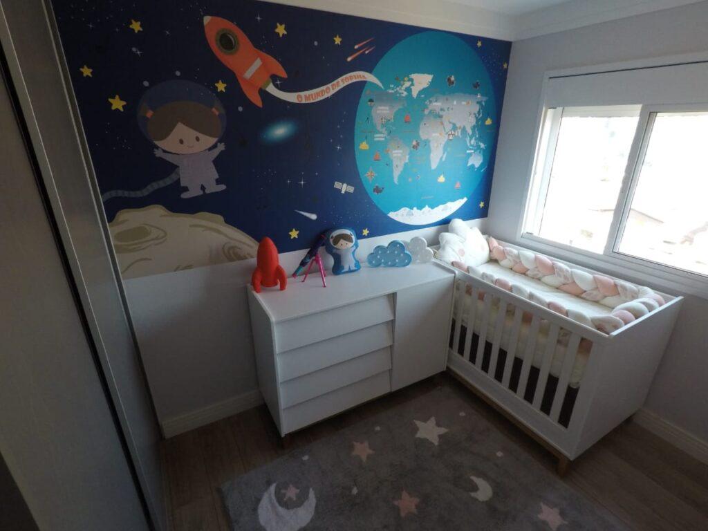 Papel de Parede de espaço com astronauta menina